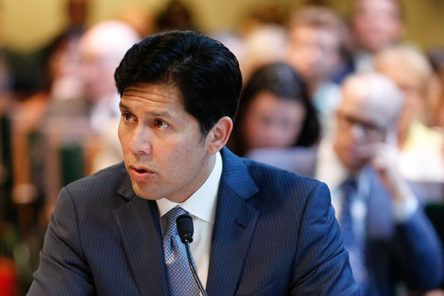 California Democrats brace for intra-party battle after Kevin de León announces bid to unseat Feinstein